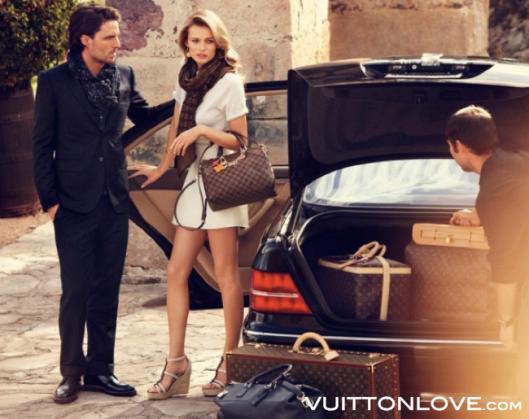 Louis Vuitton Resetillbehör Monogram Canvas Vuitton Love