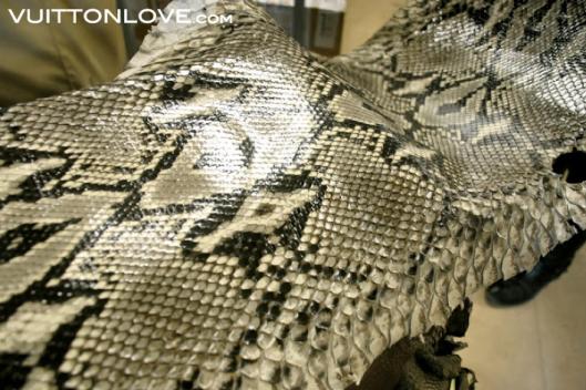 Louis Vuitton fabriken atelier tillverkning vaskor Asnieres-sur-Seine Vuitton Love 13