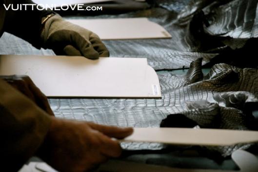 Louis Vuitton fabriken atelier tillverkning vaskor Asnieres-sur-Seine Vuitton Love 15