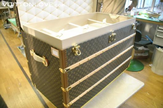 Louis Vuitton fabriken atelier tillverkning vaskor Asnieres-sur-Seine Vuitton Love 26