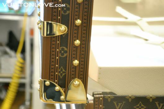 Louis Vuitton fabriken atelier tillverkning vaskor Asnieres-sur-Seine Vuitton Love 27