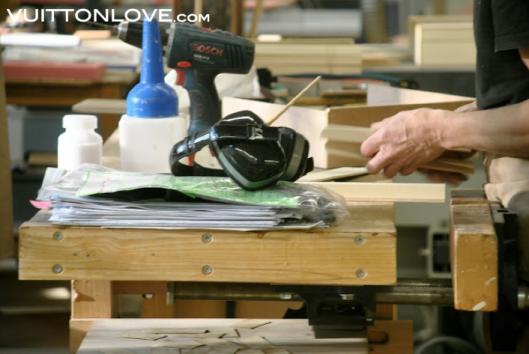 Louis Vuitton fabriken atelier tillverkning vaskor Asnieres-sur-Seine Vuitton Love 3