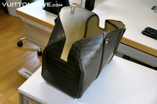 Louis Vuitton fabriken atelier tillverkning vaskor Asnieres-sur-Seine Vuitton Love 33
