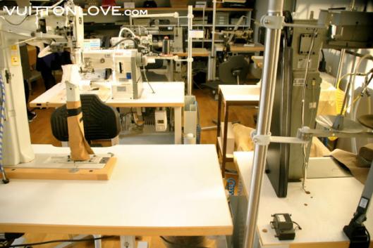 Louis Vuitton fabriken atelier tillverkning vaskor Asnieres-sur-Seine Vuitton Love 34