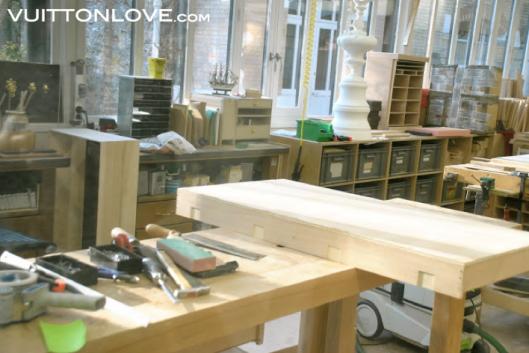 Louis Vuitton fabriken atelier tillverkning vaskor Asnieres-sur-Seine Vuitton Love 4