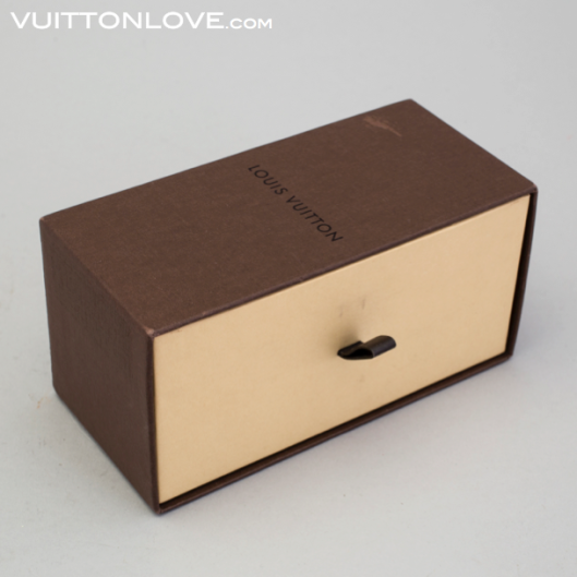 Louis Vuitton Zink Trunk Koffert Miniatyr Bukowskis Vuitton Love